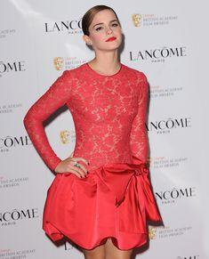 Эмма Уотсон без лифчика на вечеринке перед премией BAFTA фото #4