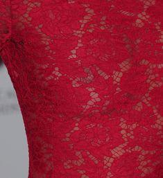 Эмма Уотсон без лифчика на вечеринке перед премией BAFTA фото #6