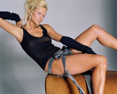 Пэрис Хилтон без бюстгальтера в журнале Elle фото #5