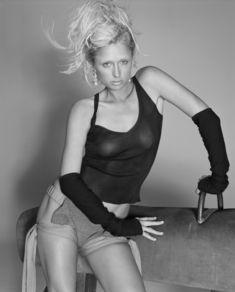 Пэрис Хилтон без бюстгальтера в журнале Elle фото #9