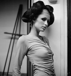Соски Пэрис Хилтон в фотосессии Патрика Фрейзера фото #3
