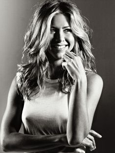 Торчащие соски Дженнифер Энистон в журнале Elle фото #2