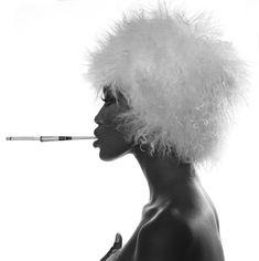 Голая грудь Наоми Кэмпбелл в фотосессии Мишеля Комте фото #2