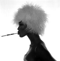 Голая грудь Наоми Кэмпбелл в фотосессии Мишеля Комте фото #3
