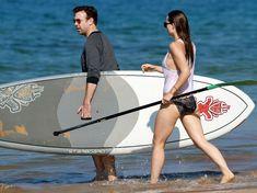 Оливия Уайлд раздвинула ноги в купальнике на пляже в Мауи фото #9