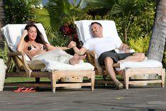 Беременная Меган Фокс в бикини на Гавайях фото #18
