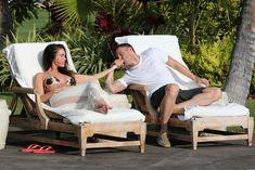 Беременная Меган Фокс в бикини на Гавайях фото #22