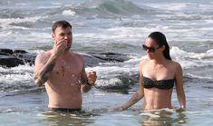 Стройная красотка Меган Фокс отдыхает на плаже в Гавайях фото #3