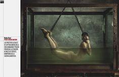 Эльза Патаки разделась для журнала Elle фото #5