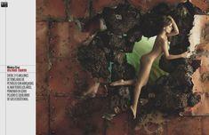 Эльза Патаки разделась для журнала Elle фото #9