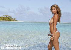 Соблазнительная Кейт Аптон в бикини для Sports Illustrated фото #18
