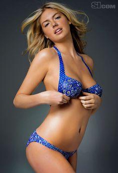 Разрисованная грудь Кейт Аптон для Sports Illustrated фото #3