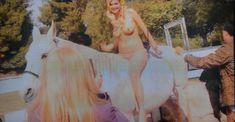 Кейт Аптон топлесс в журнале Complex фото #1