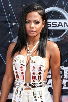 Оголенная грудь Кристины Милиан на премии BET Awards фото #3