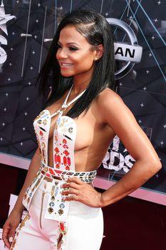 Оголенная грудь Кристины Милиан на премии BET Awards фото #5