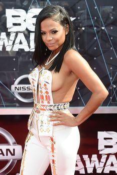 Оголенная грудь Кристины Милиан на премии BET Awards фото #7