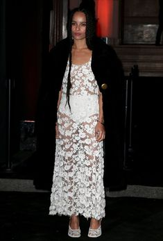 Зои Кравиц без бюстгальтера на 95-й годовщине Vogue фото #9