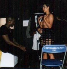 Обнаженная Ким Кардашьян на фото со съемок для модных домов и журналов фото #2