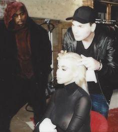 Обнаженная Ким Кардашьян на фото со съемок для модных домов и журналов фото #7