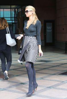 Проказница Пэрис Хилтон без бюстгальтера в Лос-Анджелесе фото #12