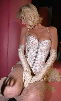 Возбуждающая Пэрис Хилтон в белье для Бурлеска с Pussycat Dolls фото #6