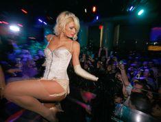 Возбуждающая Пэрис Хилтон в белье для Бурлеска с Pussycat Dolls фото #15