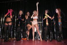 Возбуждающая Пэрис Хилтон в белье для Бурлеска с Pussycat Dolls фото #17