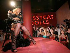 Возбуждающая Пэрис Хилтон в белье для Бурлеска с Pussycat Dolls фото #24
