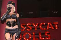Возбуждающая Пэрис Хилтон в белье для Бурлеска с Pussycat Dolls фото #27