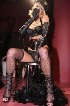Возбуждающая Пэрис Хилтон в белье для Бурлеска с Pussycat Dolls фото #33
