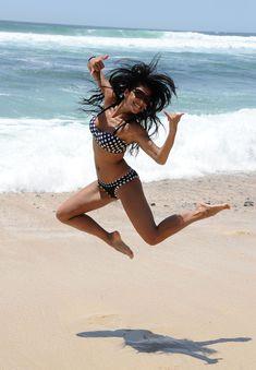 Спортивное тело Николь Шерзингер в купальнике фото #8