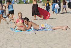 Хайден Панеттьери отдыхает на пляже фото #11