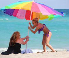 Фигура Хайден Панеттьери в бикини на пляже в Майами фото #21