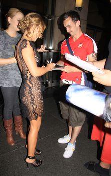 Откровенное платье Хайден Панеттьери на Late Show, США, Июль 2009 фото #4