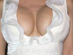 Сочные сиськи Сальмы Хайек на премии Evening Standard Theatre фото #3