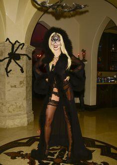 Развратная вампирша АннаЛинн МакКорд на Хэллоуин фото #4