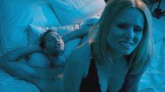 Секс кадры с Кристен Белл в сериале «Обитель лжи» фото #5