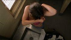 Интимные сцены с Дженнифер Коннелли в фильме «Дом из песка и тумана» фото #3