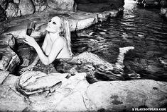 Памела Андерсон разделась для последнего обнаженного выпуска Playboy фото #10