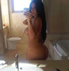 Голые селфи Ким Кардашьян с iCloud фото #1