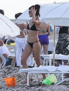 Ольга Куриленко в черном бикини фото #6