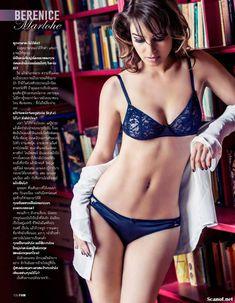 Беренис Марло засветила соски в журнале FHM фото #5