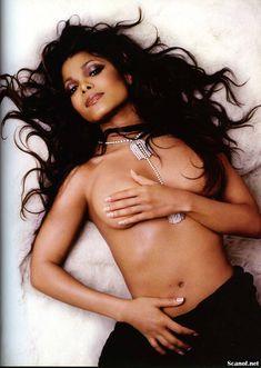 Сексуальная Джанет Джексон топлесс снялась в журнале Maxim фото #1