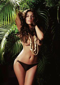 Секси Келли Брук для журнала FHM фото #2