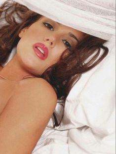 Тиффани Тейлор разделась  в журнале Playboys Lingerie фото #6