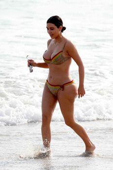 Огромная жопа Ким Кардашьян без фотошопа фото #7