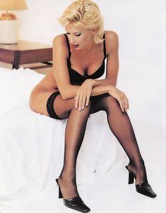 Алена Свиридова показала голую грудь в Playboy фото #5