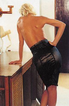 Алена Свиридова показала голую грудь в Playboy фото #7