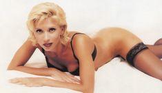 Алена Свиридова показала голую грудь в Playboy фото #13