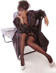 Алика Смехова в эротической фотосессии для Playboy фото #2
